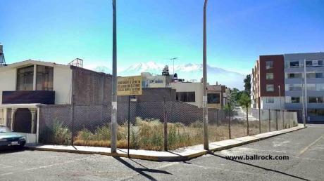 Terreno 220 M2 Esquina Por Los Angeles De Cayma, Arequipa