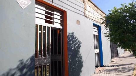 Local Comercial Puerta A La Calle En Cerro Colorado, Arequipa