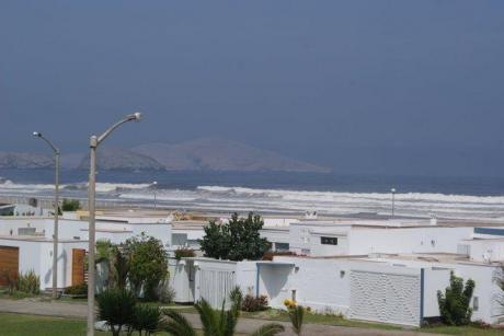 Linda Casa De Playa En Asia - Lobo Blanco