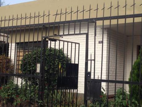 Casa Muy Bien Ubicada Para Oficinas En Magdalena