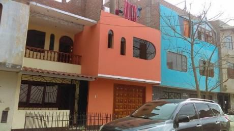 Casa En Venta - Los Olivos