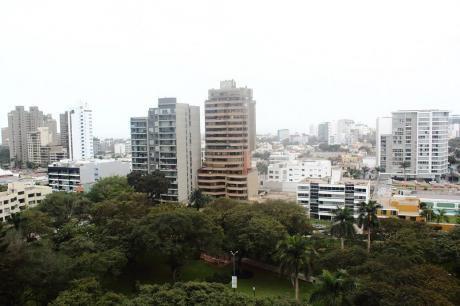 Vendo Departamento De 236 M2 A $498,000 En San Isidro, Vista A Parque