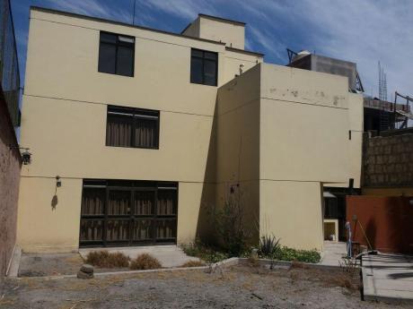 Casa En El Centro Histórico De Arequipa Calle La Merced