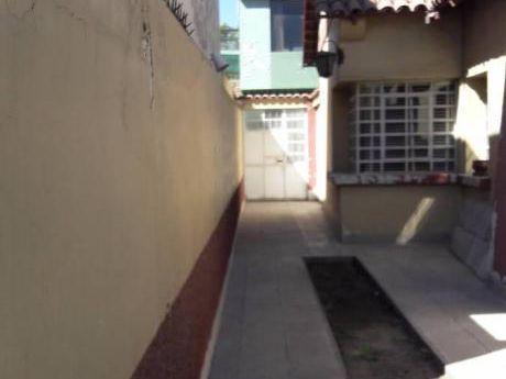 Ocasión Linda Casa Interior 2 Pisos Mas Terraza En Av Daniel Alcides Carrión