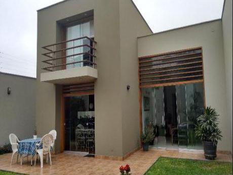 Casa En Venta La Molina La Pendiente, Planicie