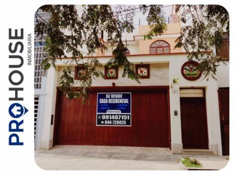 Venta/alquiler: Casa Residencial Urb. California (at. 220 M2)frent. CLínica Sanna