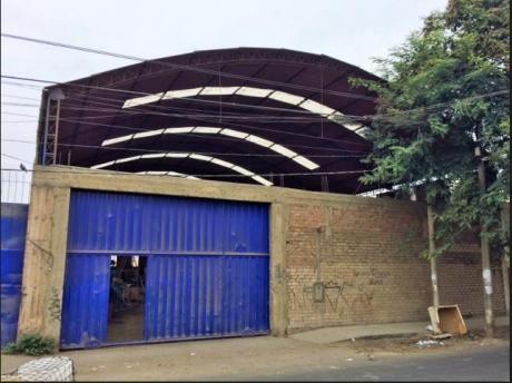 Local Industrial En Alquiler.