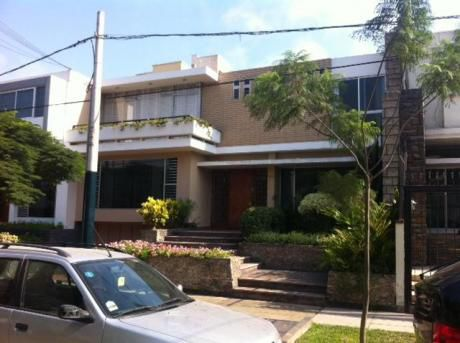 Vendo Casa Excelente Para Remodelar En San Isidro