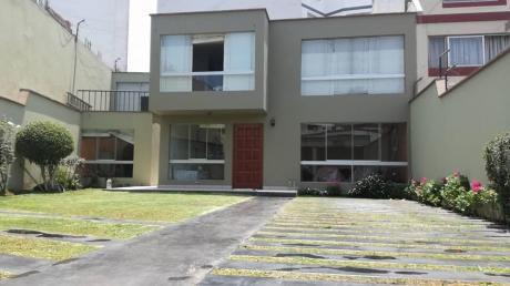 Se Vende Casa En San Borja A Espaldas De Av Boulevard