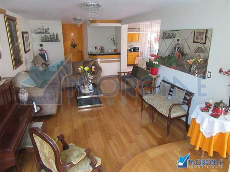 Urb. Flores Del Golf: Casa En Exclusivo Condominio!
