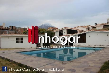 En Venta Lujosa Casa En Excelente Zona En Cayma - Arequipa