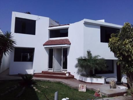 Casa En Alquiler Urb. El Golf, Trujillo - Peru