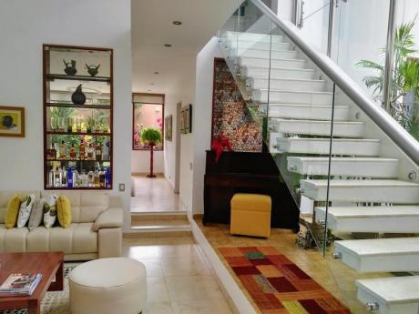 Aquí Una Exclusiva Y Hermosa Casa De 3 Pisos En El Golf, Trujillo