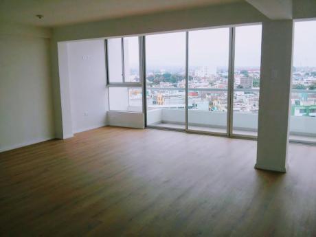 Amplio Penthouse DupléX, Excelente Vista Panorámica, Urb. Sta Inés - 275 M2