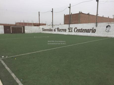 Venta De Restaurante Terreno Industrial Con Campo De Futbol - Puente Piedra