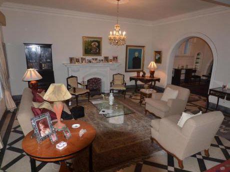 Vendo Casa Excelente Ubicación 291 M2 San Isidro - Sivs030