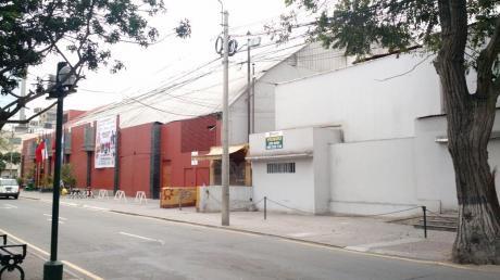 Vendo Terreno De 1,172 M2 A $5´700,000 En La Av La Paz, Miraflores