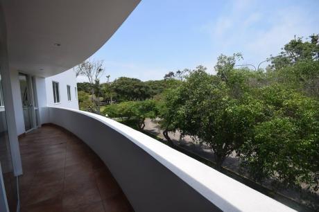 Vendo Duplex De 462 M2 En Exclusiva Zona De Chabrier Frente A Parque, San Isidro.