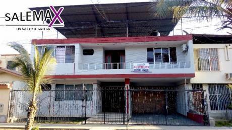 Amplia Casa En Venta - Urb. Miraflores - Castilla - Piuraálbumesamplia