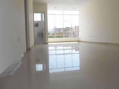 Amplio Departamento En Alquiler - Urb. Santa María Del Pinar - Piura