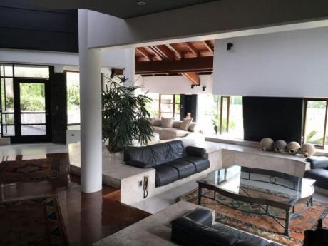 !venta Casa 1000 M2 Casuarinas Zona Exclusiva!