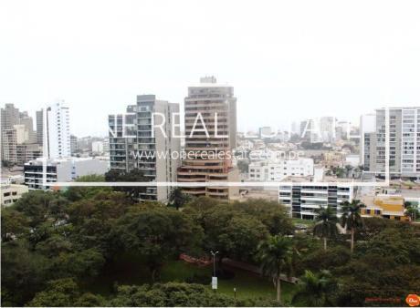 Vendo Departamento De 236 M2 A $498.000 En San Isidro, Vista A Parque