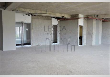 Oficina En Alquiler En Surco, Centro Empresarial Panorama Con Areas Comunes