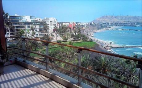 Penthouse En Alquiler En Barranco Con Vista Al Mar, Amplia Terraza