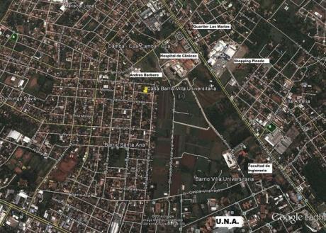 Terreno Con Casita En Barrio Villa Universitaria, Zona De Casas Lujosas, 360 M2.