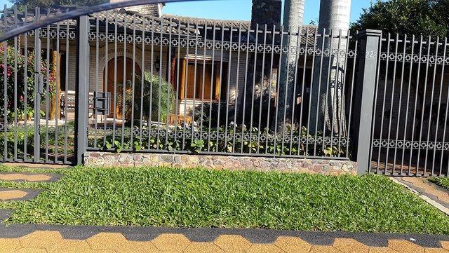 Zona Garden, En El Mejor Lugar De La Zona, Detras Mismo Del Garden, Terreno Con Una Casa Antigua, 12 X 35