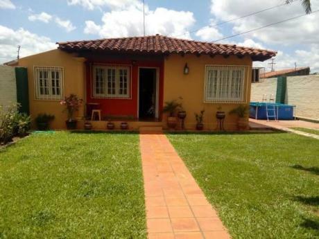 Vendo Casa En Barrio Primavera, 50% Entrega Y Saldo En 2 O 3 Pagos