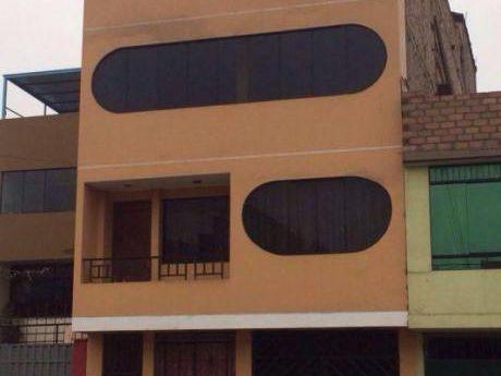 Ocasión Excelente Edificio De 4 Pisos En Santo Domingo, Carabayllo