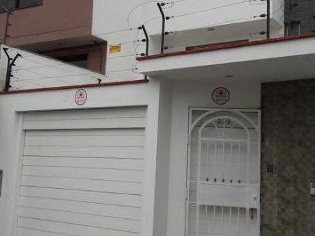 (id 50172)vendo Casa - La Molina - 04 Dorm. - 03 Pisos - Acabados De Primera