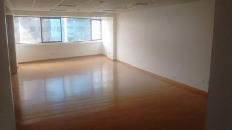 Oficina En Edificio Empresarial, 180 M2. Sin Amoblar. 7 Ambientes. Aire Acond.
