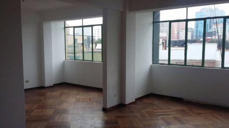 Oficina Puerta Cerrada En Departam. 165 M2.ambientes Amplios. Ubicación Excelente