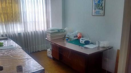 Oportunidad, Oficina De 51 M2, Varios Ambientes. Av José Pardo.
