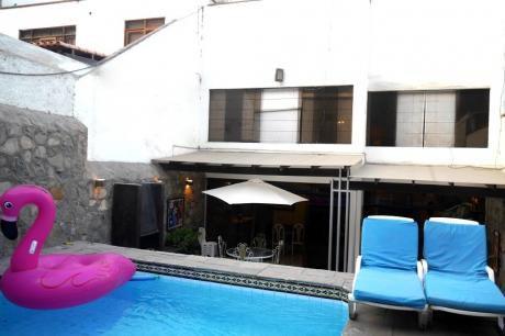 Venta Bella Casa Con Piscina En La Molina - Urb La Ensenada Precio Negociable
