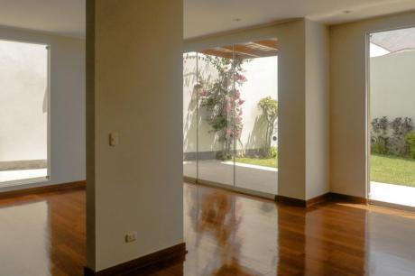 Preciosa Y Moderna Casa En La Urb Sol De La Molina - Distrito La Molina