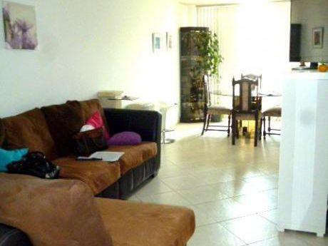Bonito Y Comodo Departamento + Aires En Urb. Santa Patricia - 3 Dorm.