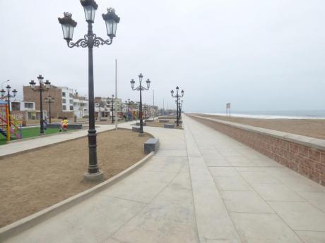 Terreno En El Malecon De Cedros De Villa - Frente Al Mar