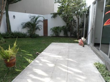 Vendo Casa/terreno En Urb. Humboldh, Miraflores, Colegio Humboldh.