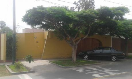 Id - 50232 Venta De Linda Casa En Surco, Frente Al C. C. Jockey Plaza