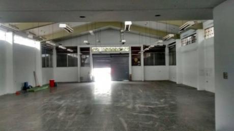 Id - 49957 Se Alquila Amplio Local Comercial Muy Bien Ubicado En Surco