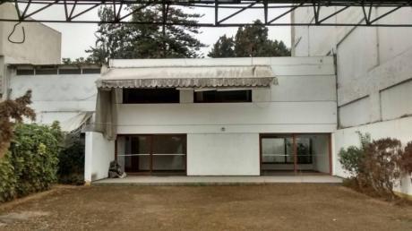 Id - 50227 Bajó De Precio! Se Vende Linda Casa Con Vista Al Parque En San Borja