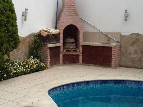 Casa En Venta, San Isidro, Limite Con Magdalena, Urbanizacion Orrantia Del Mar