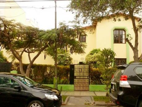 Venta Miraflores Casa Como Terreno, At 450 M2, Ac 544 M2, Rbd 3 Pisos