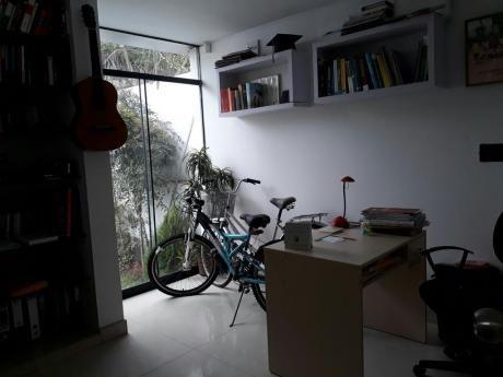 Impresionante Casa De 300 M2 A Precio De Ocasión En Urbanización Las Magnolias