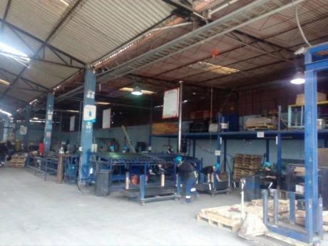 Id 52722 Alquilo Local Industrial 2200 M2. Cerca Al Aeropuerto. Nestor Gambeta.