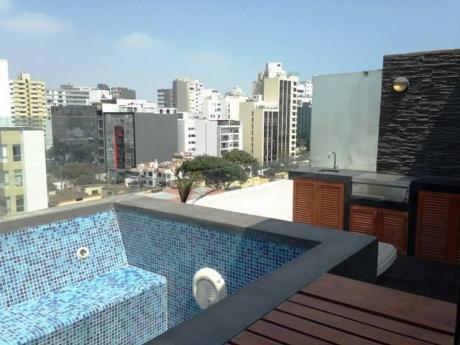 Bello Dpto. Duplex De 121 M2, Semi Amoblado, C/piscina, A 2 Cuadras De Larco Mar.