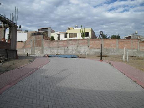 Mas Inmobiliaria Aqp Vende Estupendo Terrenos En Quinta Privada - Cayma